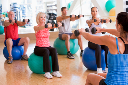 Senioren fit durch Übungsleiter