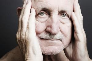 Mann mit Demenz